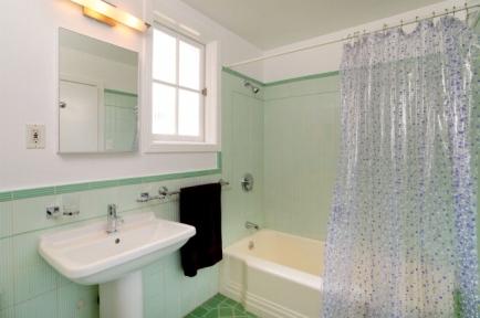 11-master-bath-jpg