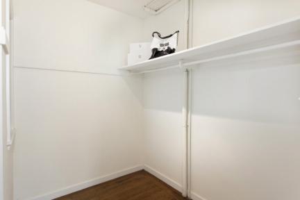 411roosevelt_closet-jpg
